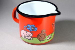 0,6 literes piros cicás füles tejkiöntő