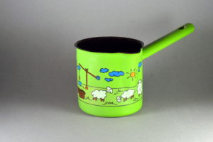 0,6 literes zöld juhászos tejkiöntő